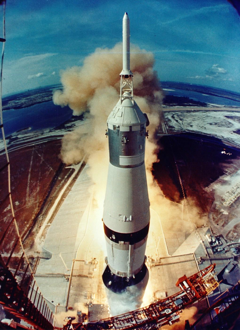 Saturn_V hums 6