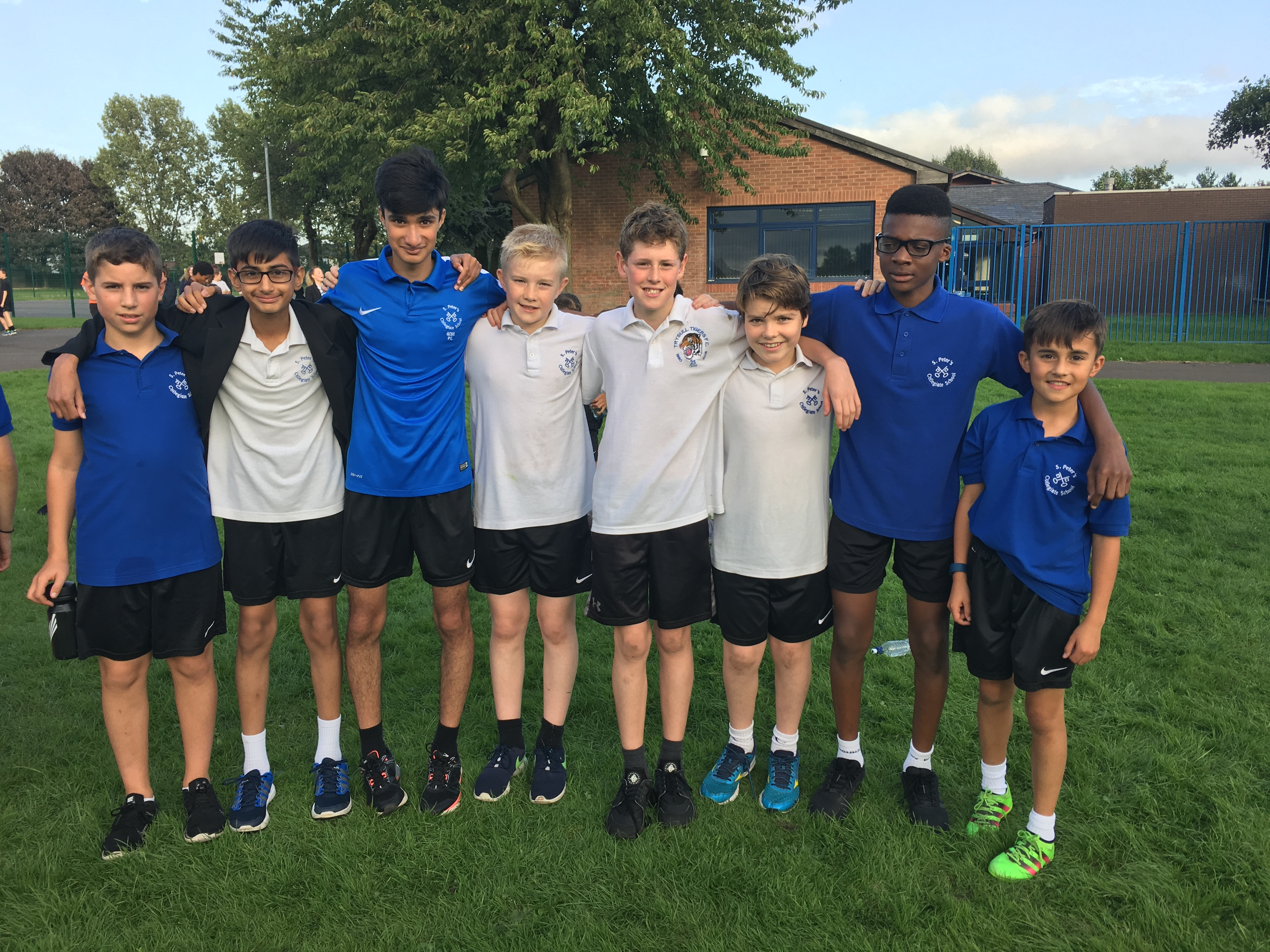 Year 8 & 9 boys cross-country team