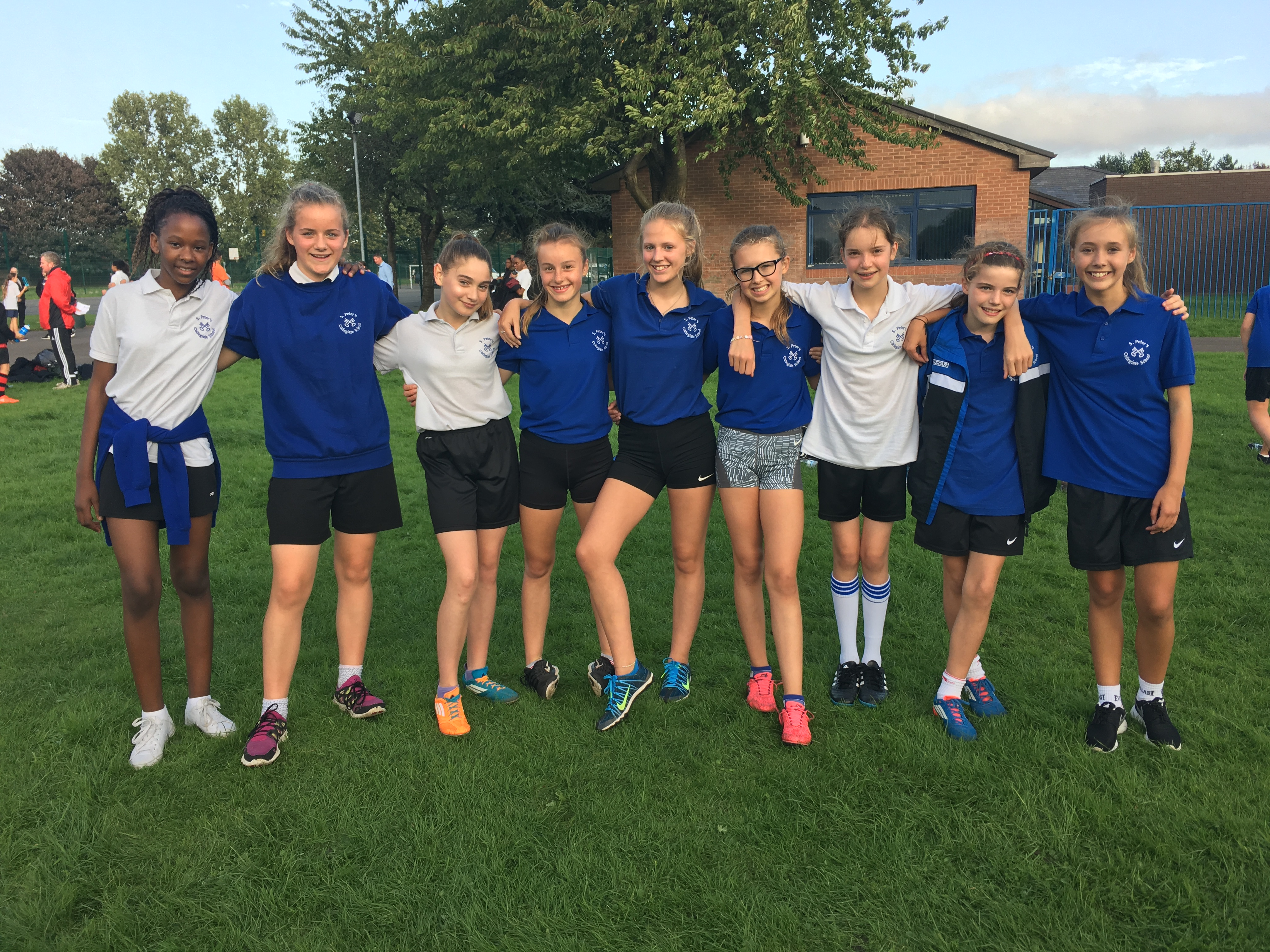 Year 8 and 9 girls cross-country team