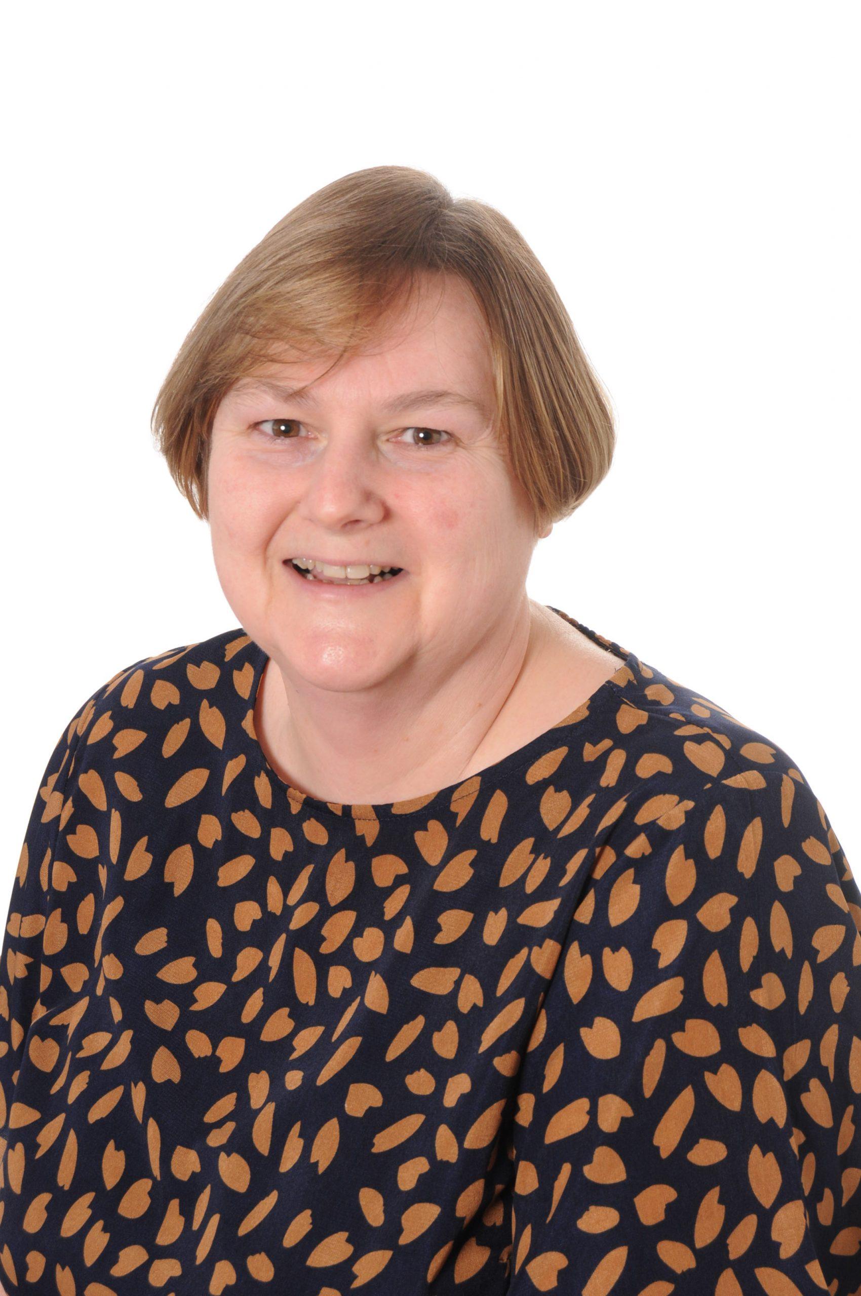 Mrs Bennett : Admin Support