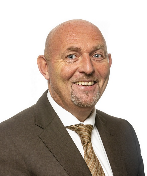 Hugh Hegarty : Chief Executive Officer