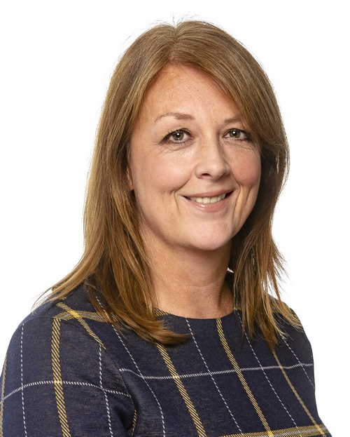 Lisa Marron : Head of Finance